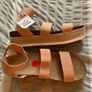 😎NWT REPORT Espadrille Wedge Sandals